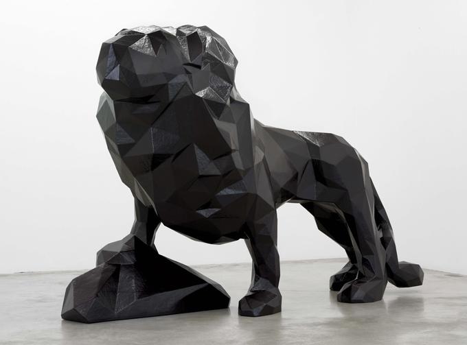 Xavier VEILHAN - LE LION, 2006 Polymères, polystyrène, structure métallique, résine polyester 190 x 320 x 132 cm - Collection privée