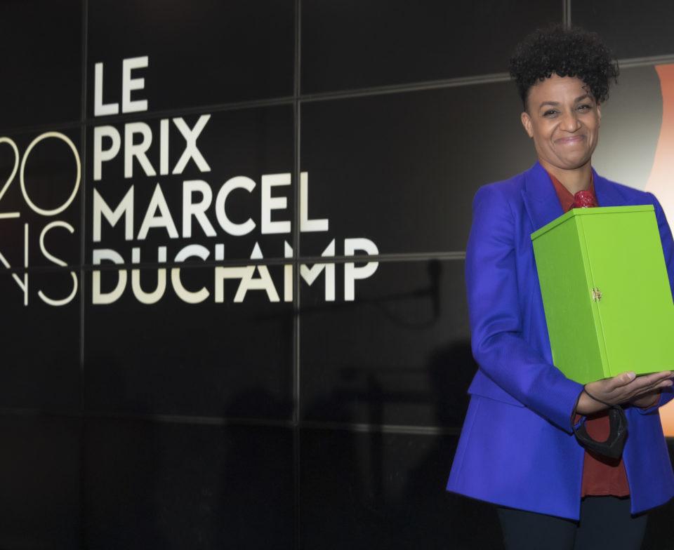 La lauréate du 20 éme prix Marcel Duchamp Kapwani Kiwanga.