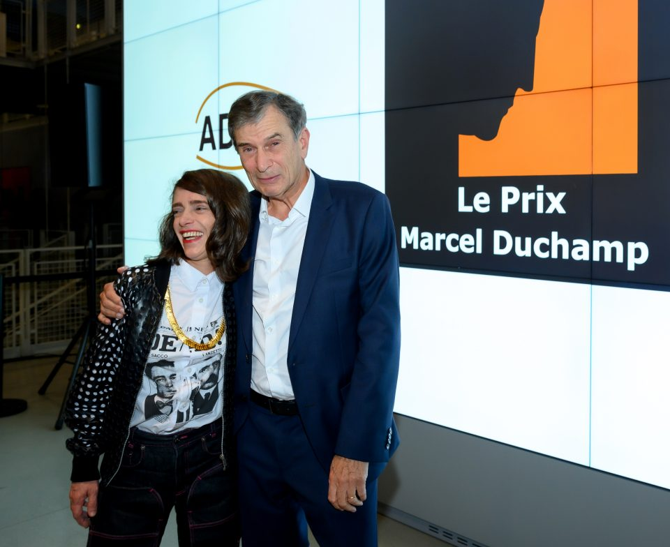 The Laureate of the Marcel Duchamp Prize 2021, Lili Reynaud Dewar and Claude Bonnin, President of the ADIAF. Award ceremony of the Marcel Duchamp Prize 2021 at the Centre Georges Pompidou on October 18, 2021 © Luc Castel